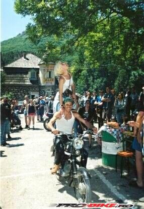 2000-12.jpg