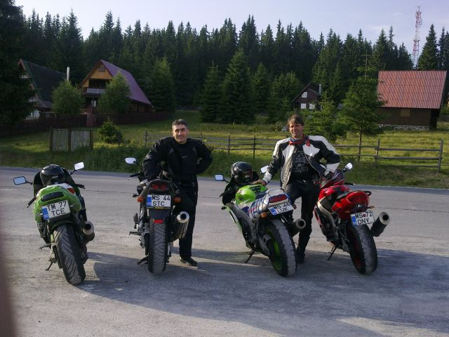 Mountains bikers,,,
