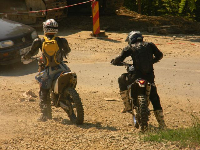 HALES <LA MOTOARE CLUB>