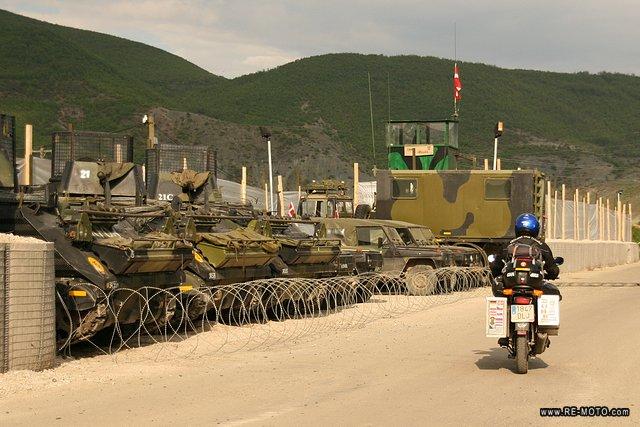 30677-KOS-Puesto_de_control_militar.jpg