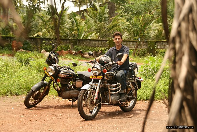 37223-IND-Goa-Salida_en_Royal_Enfield.jpg