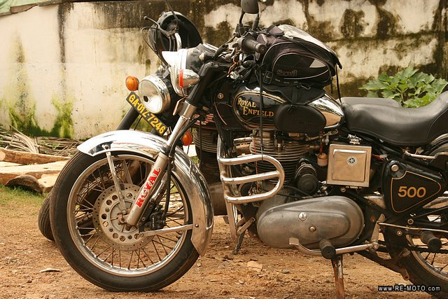 37252-IND-Goa-Salida_en_Royal_Enfield.jpg