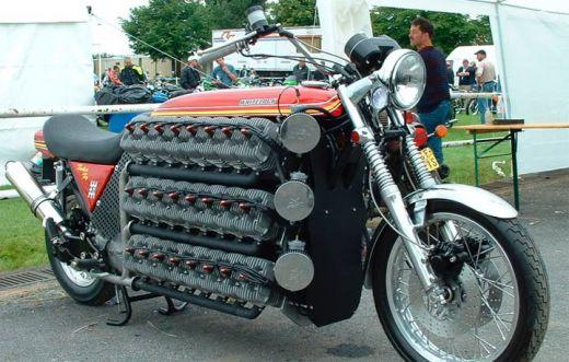 motocileta-limuzina-sau-motocicleta-schelete-vezi-cele-mai-ciudate-motoare-din-lume_10.jpg