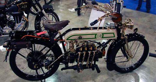 motocileta-limuzina-sau-motocicleta-schelete-vezi-cele-mai-ciudate-motoare-din-lume_12.jpg