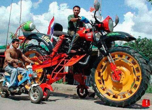 motocileta-limuzina-sau-motocicleta-schelete-vezi-cele-mai-ciudate-motoare-din-lume_15.jpg