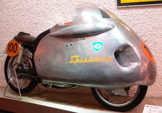 motocileta-limuzina-sau-motocicleta-schelete-vezi-cele-mai-ciudate-motoare-din-lume_3.jpg