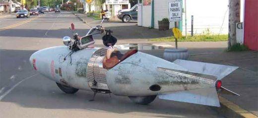 motocileta-limuzina-sau-motocicleta-schelete-vezi-cele-mai-ciudate-motoare-din-lume_4.jpg