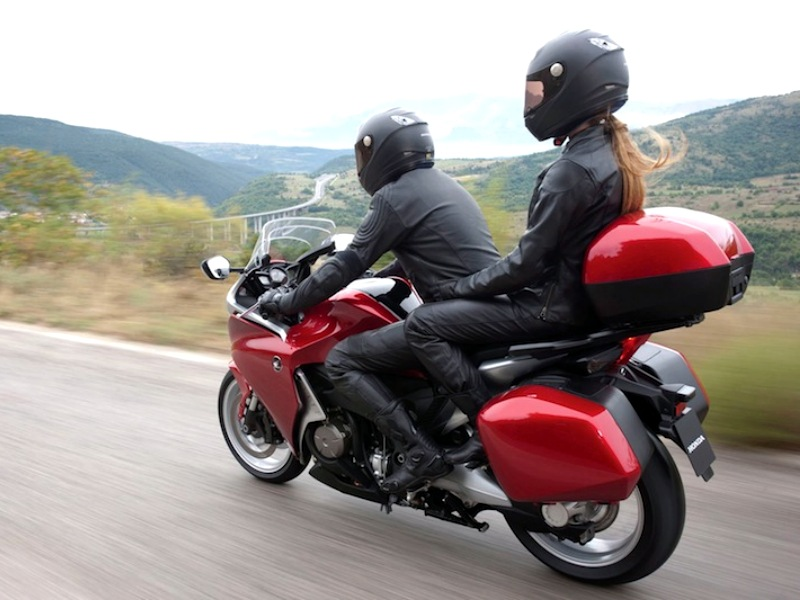 how-to-ride-a-motorcycle-with-a-passenger-66532_7.jpg