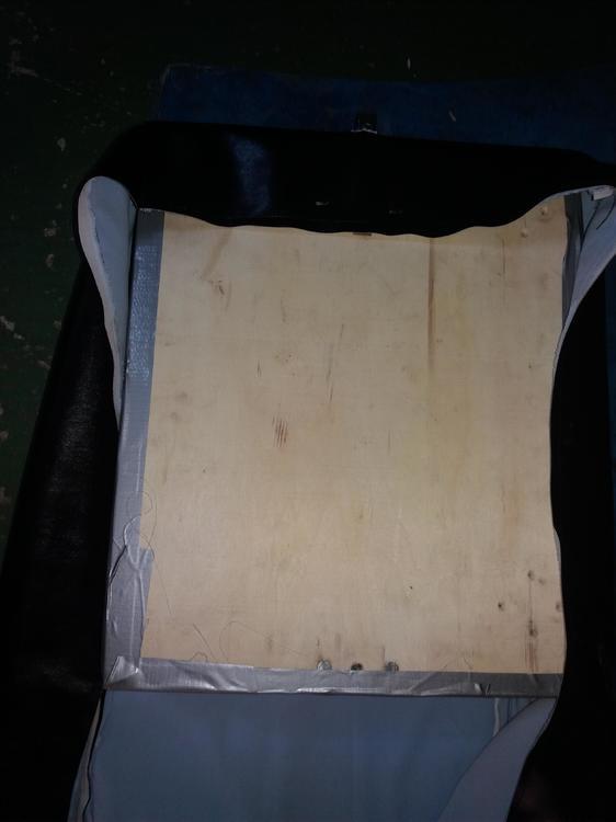 5aee02f025b64_tapiserie-sezut-scaun-dnepr-650(1).thumb.jpg.8a1898ca74c34f586a50a5552611b462.jpg